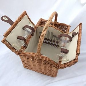 VINTAGE wicker picnic basket wine bottle carrier